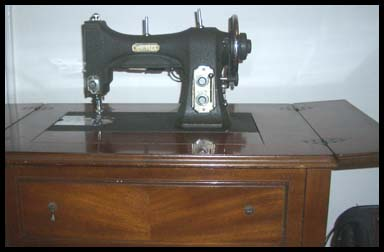 sewing machine table open
